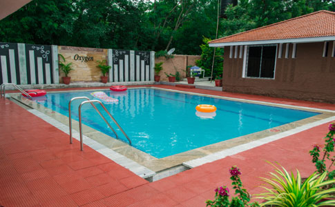 Oxygen cottages with pvt swimming pool best resorts in hyderabad for Swimming pool maintenance in hyderabad